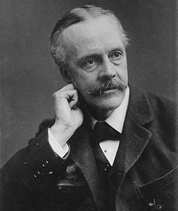 256px-Arthur_Balfour,_photo_portrait_facing_left